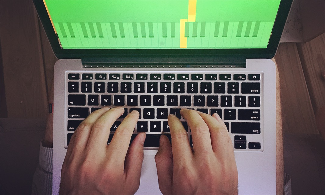 The Best Way to Play the Keyboard - wikiHow
