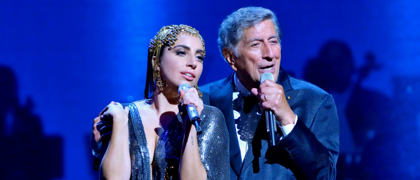 Lady Gaga and Tony Bennett singing Baby It's Cold Outside