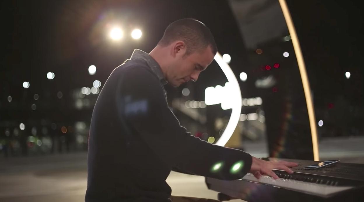 Matt Curney playing beethovens moonlight sonata 3rd mvt