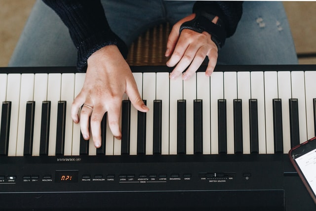 10 Incredible Benefits of Playing the Piano
